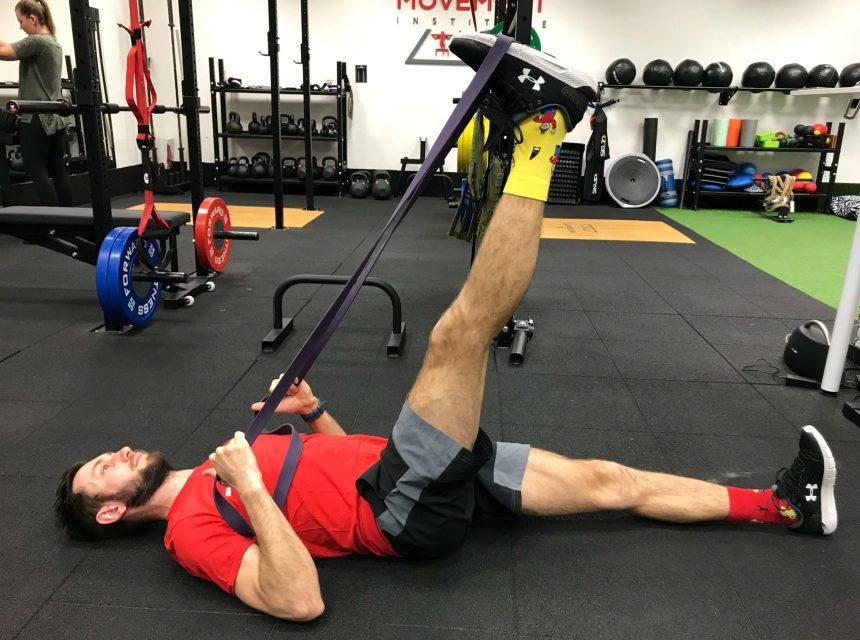 Rozcvička - dynamický strečing zadnej strany stehna.